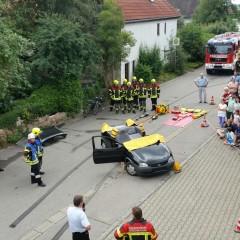 """Vorführung """"Verkehrsunfall"""" beim Sommerfest"""
