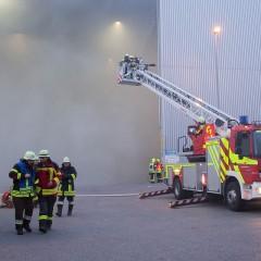 Großbrand im Altpapierlager